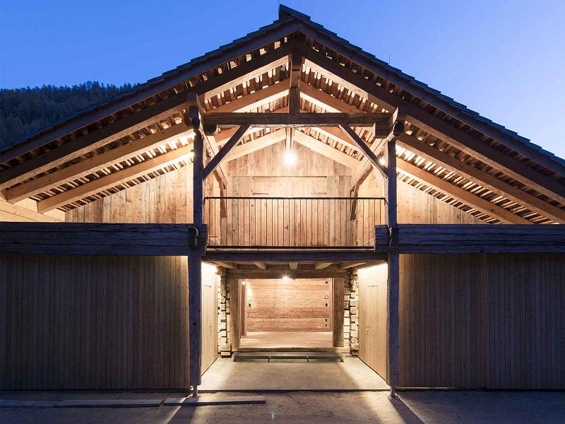 Anerkennung – Öffentlicher Bau/Gewerbe: Giatlerhof, Kalkstein